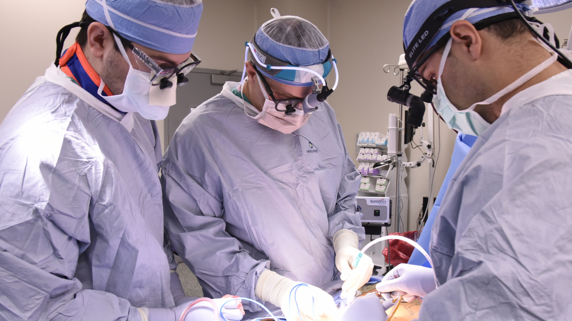 UF orthopaedic surgery resident observes UF faculty neurosurgeons.
